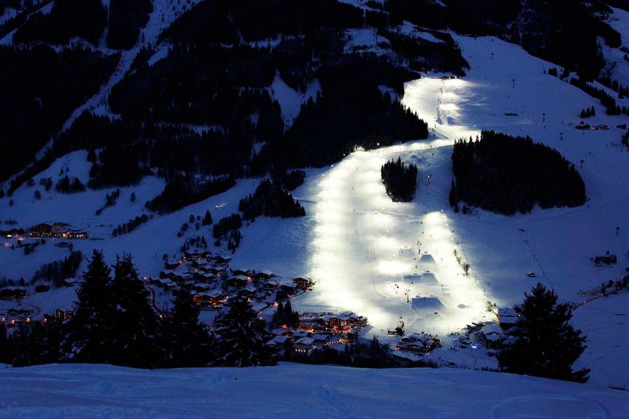 Saalbach Hinterglemm - beleuchtete Skipiste